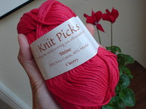 knitpicks yarn.JPG